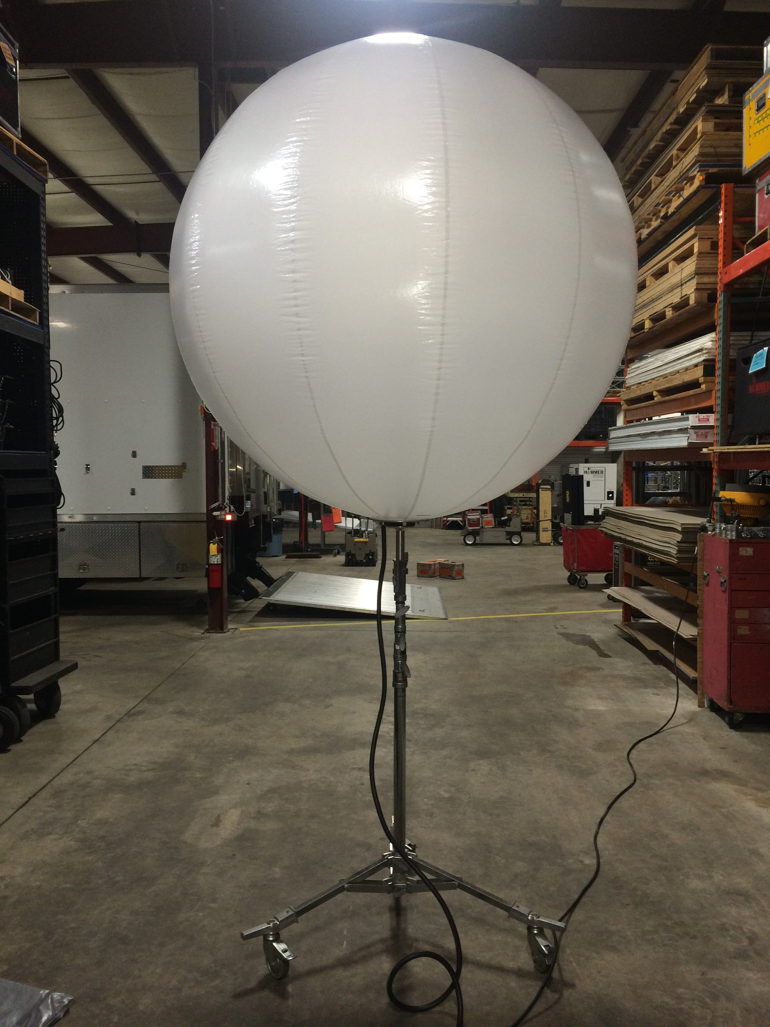 airstar crystal 160 balloon hammer lighting and grip