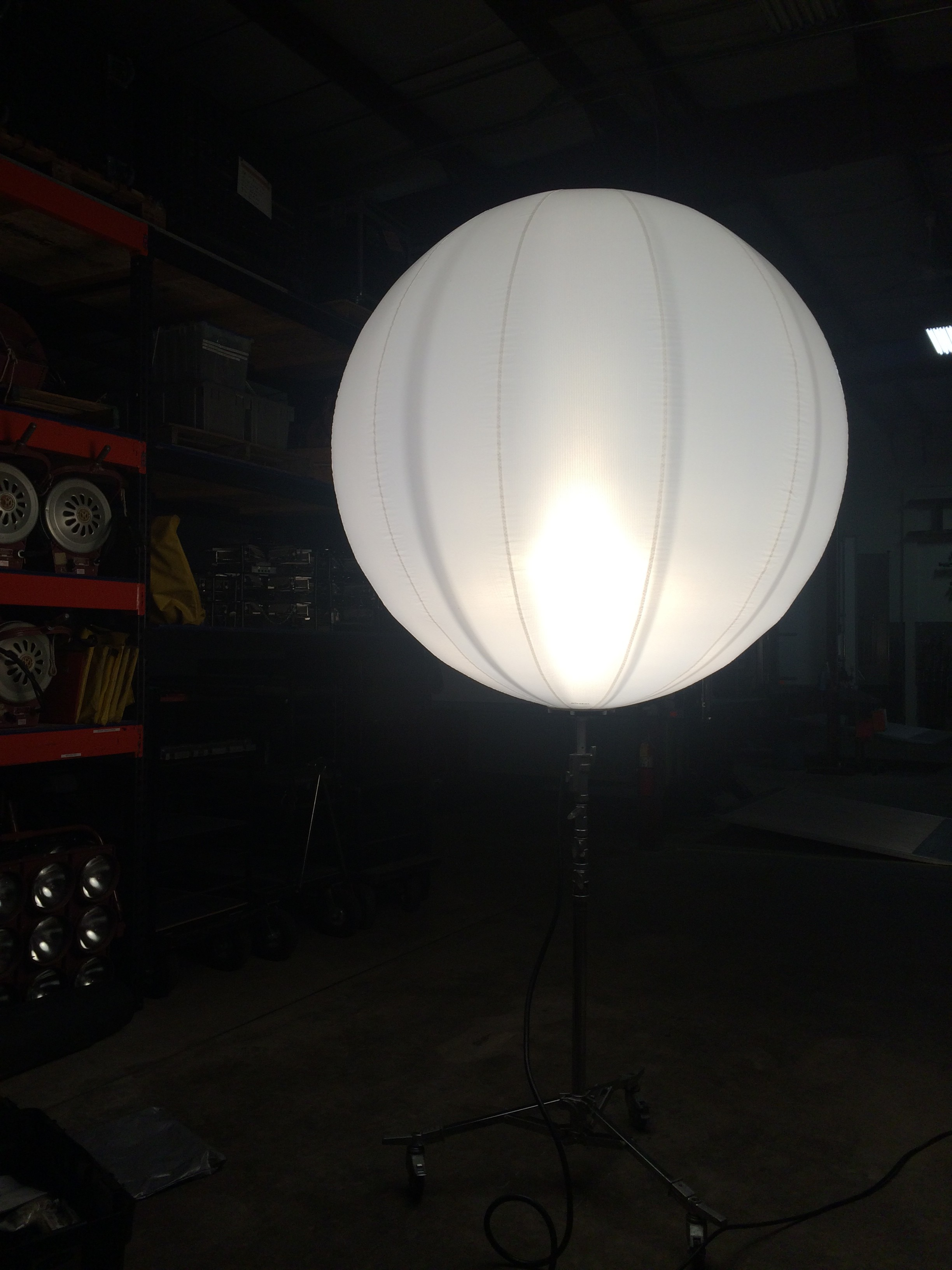 Inflate A Light Airstar Balloon Hammer Lighting And Grip